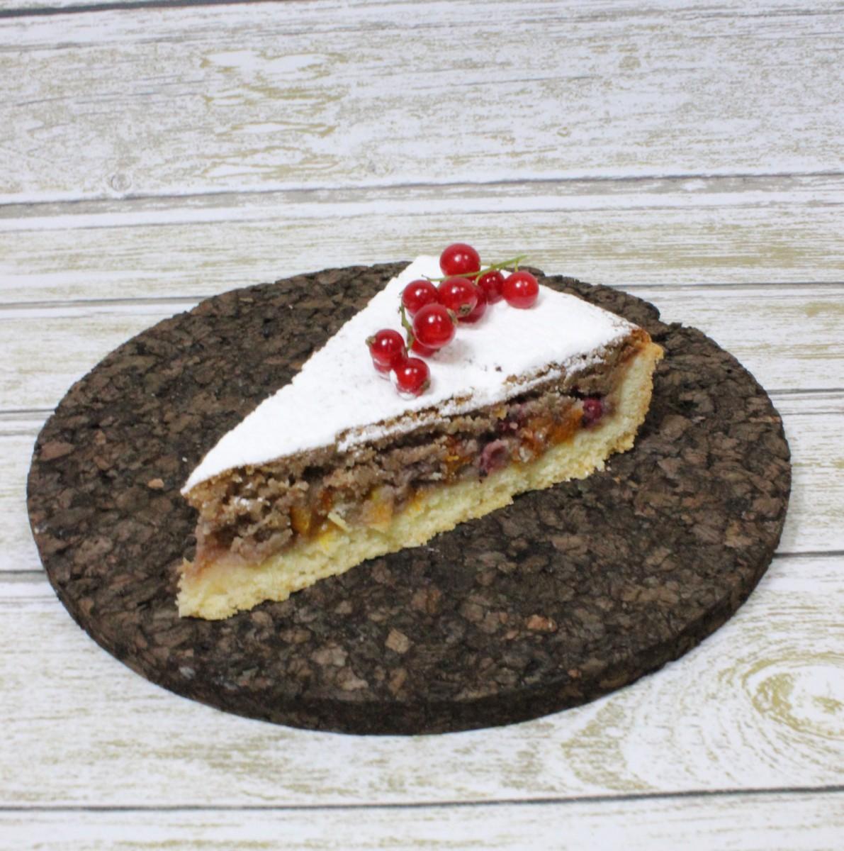 пирожное ореховый пай со смородиной