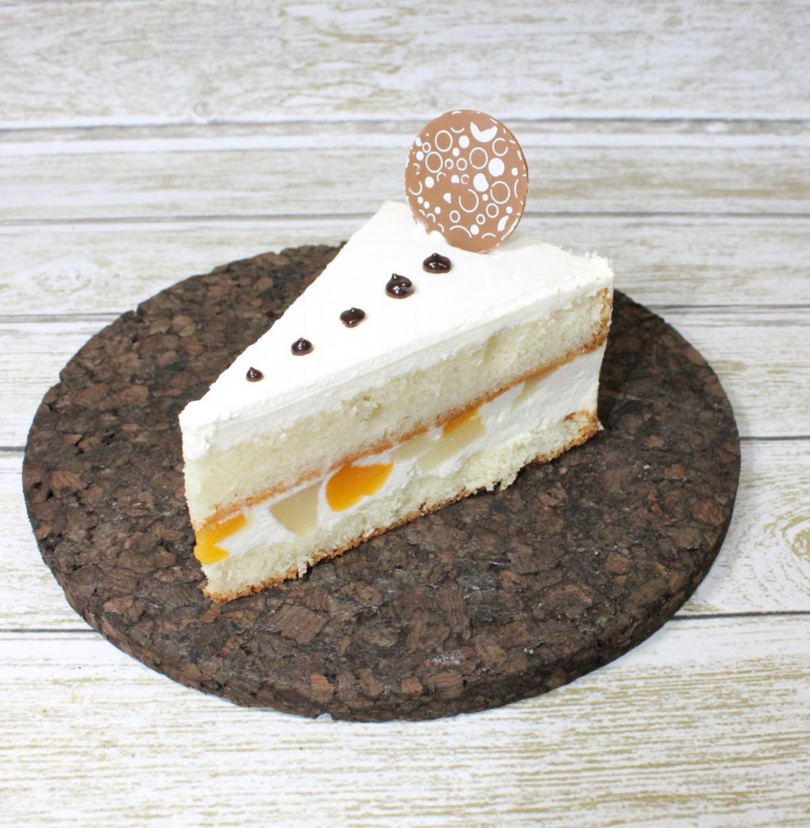 пирожное белый танец с персиком и грушей