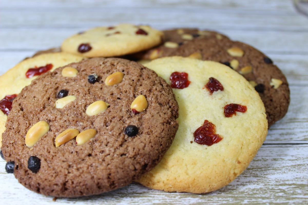 печенье песочное ванильное и шоколадное
