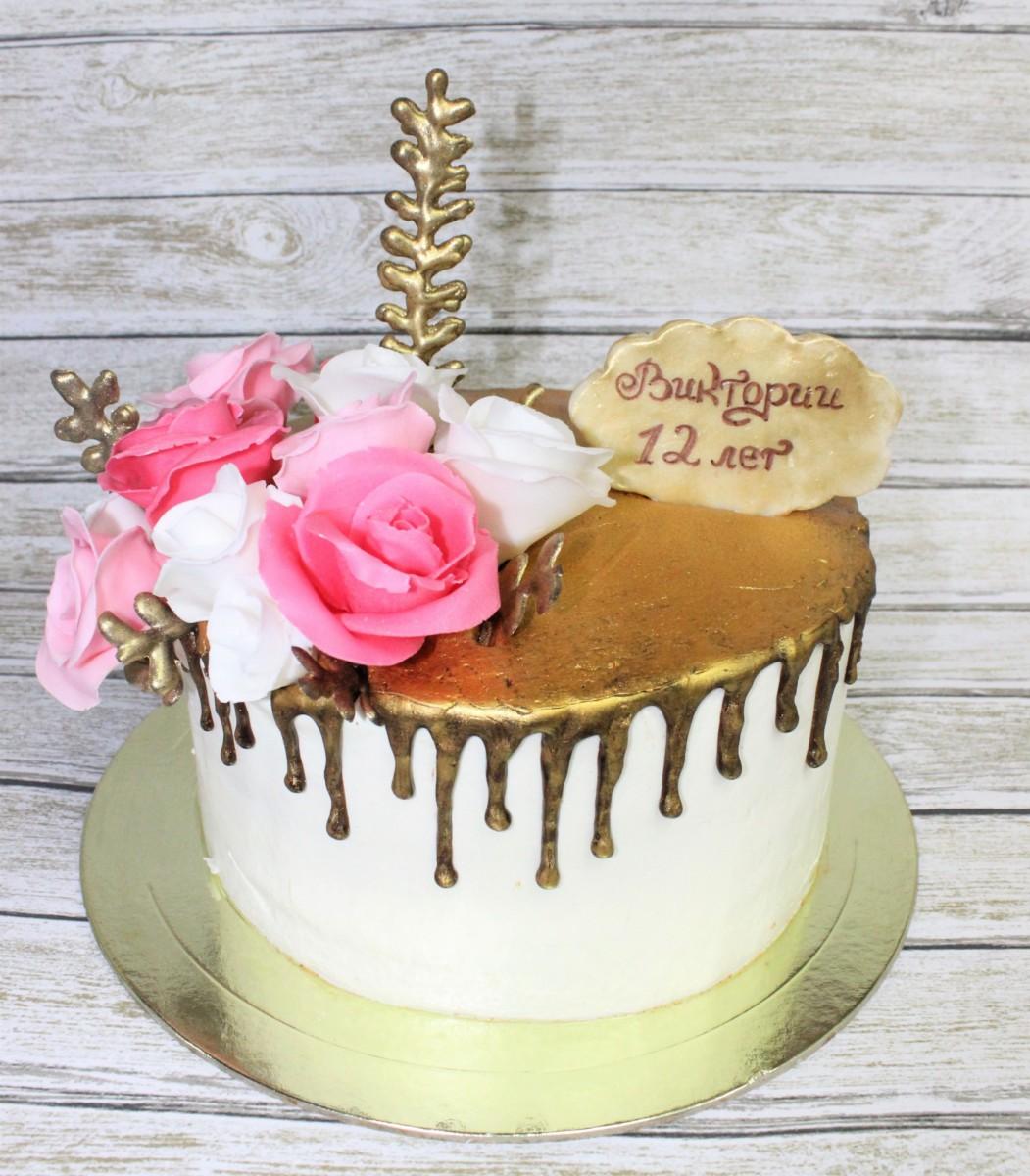 торт с цветами из мастики нежный
