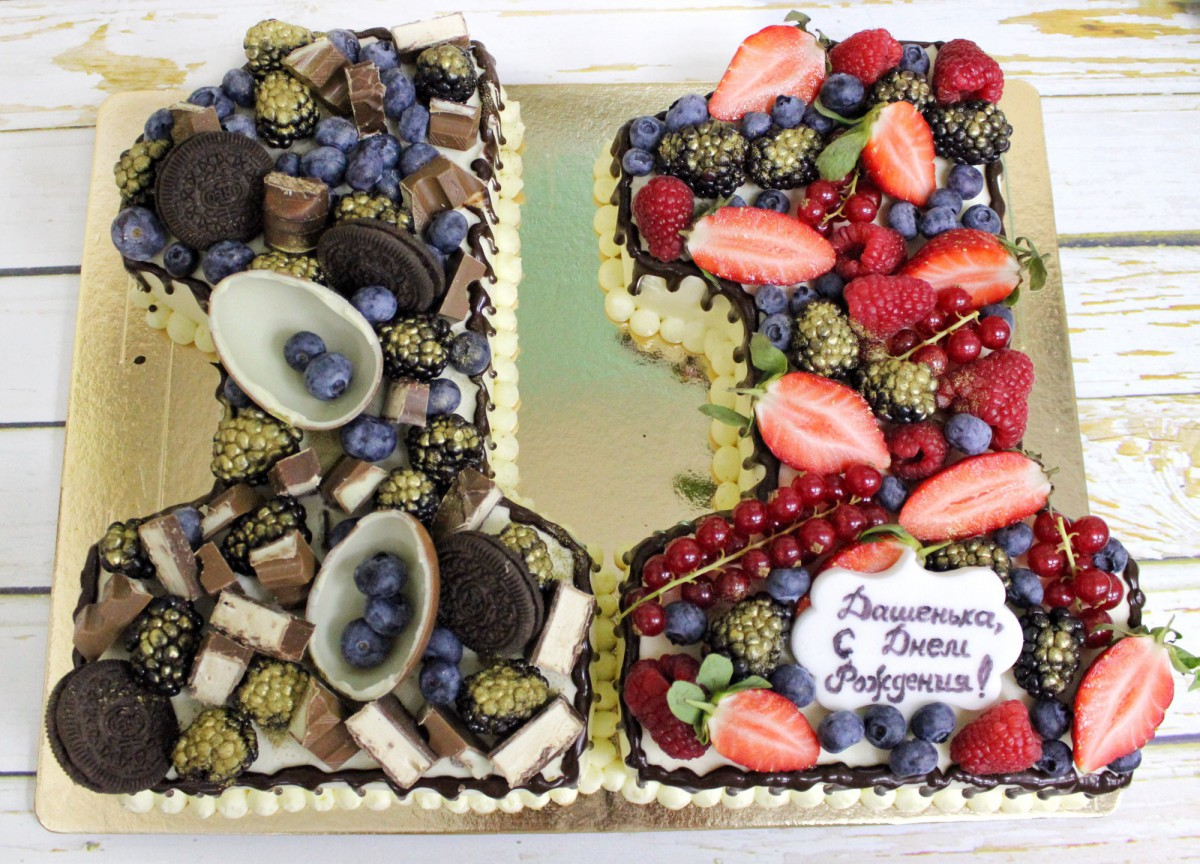 торт цифры с фруктами