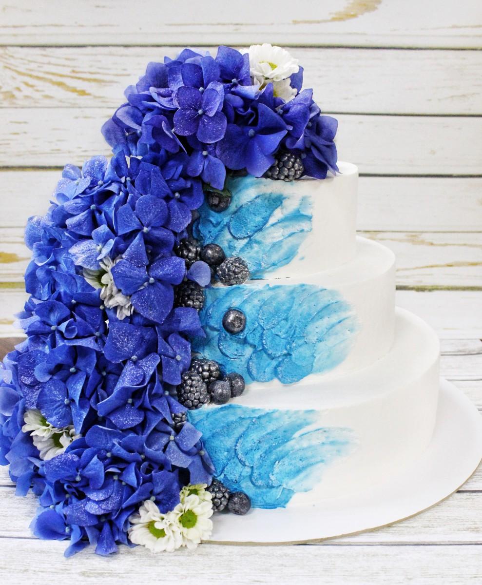 торт с живой гартензией